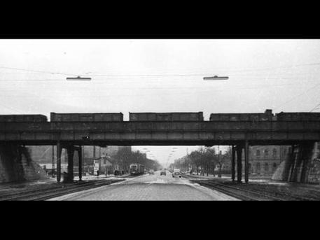 Kétoldali HÉV-vágányok a Fehérvári úton (Forrás: Kertész Z. István: Az elővárosi vasút; Fortepan)