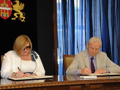 Kovács Ágnes és Tarlós István aláírták a megállapodást (forrás: budapest.hu)
