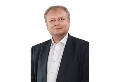 Hiller István a 16. számú egyéni választókerület országgyűlési képviselője